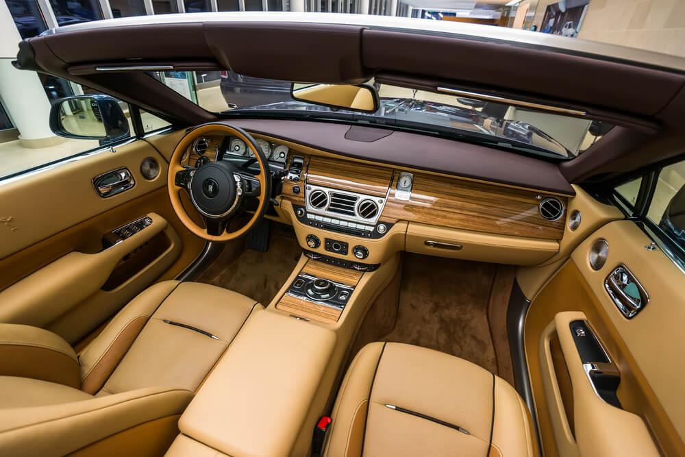Interiér Rolls Royce Dawn
