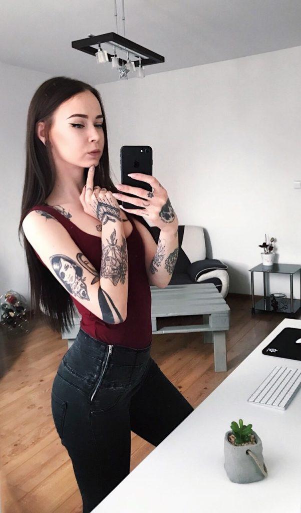 Pokérovaná holka - Alenka 2