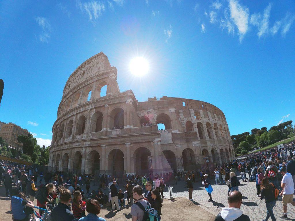Coloseum v pravé poledne