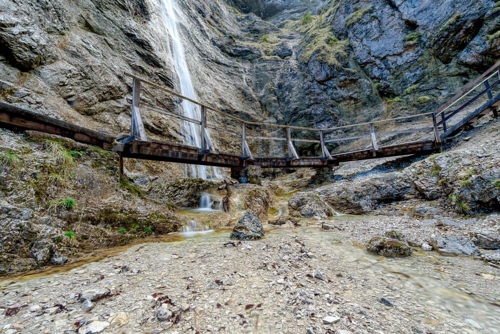 Nixenfall vodopád s křišťálovou vodou