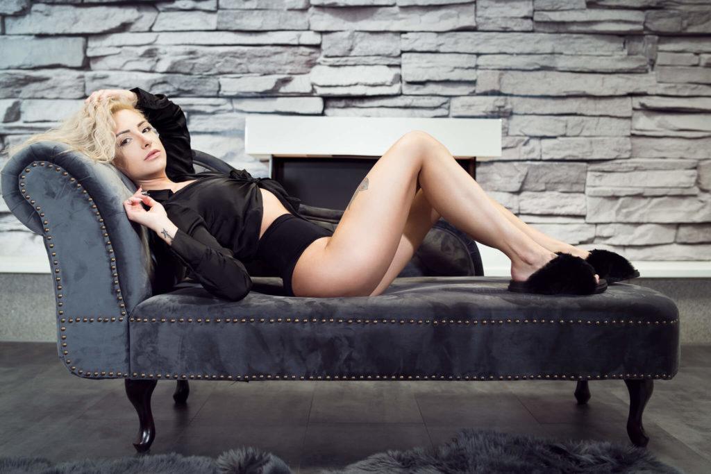 sexy dominika v černém