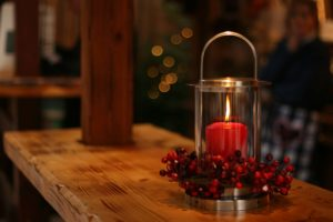 Vánoční svíce na schody