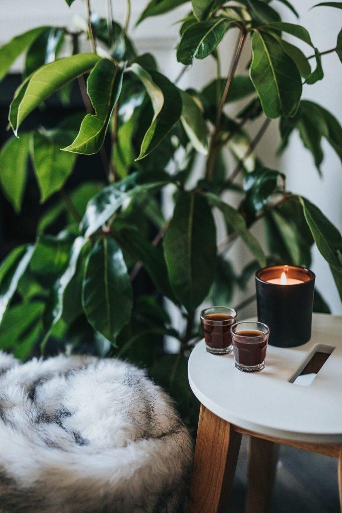 Svíčky k severskému stylu prostě patří