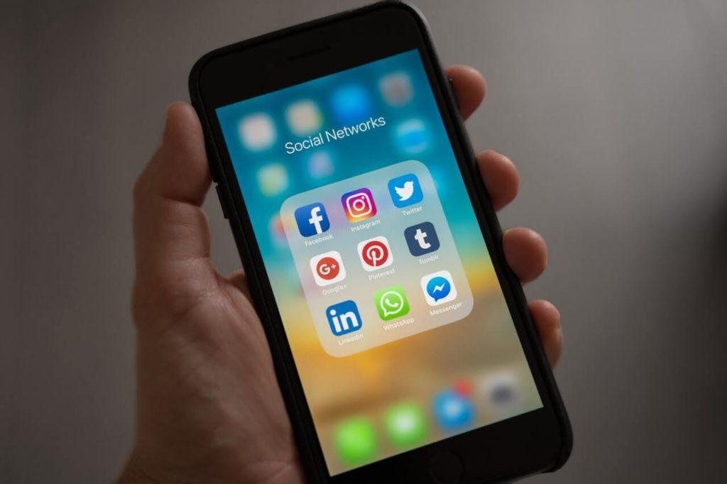 Tweeter je mikroblogovací sociální síť