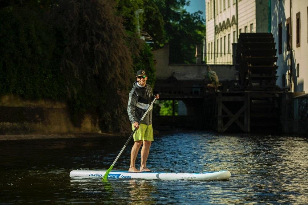 Paddleboard se dá pořídit už skoro všude