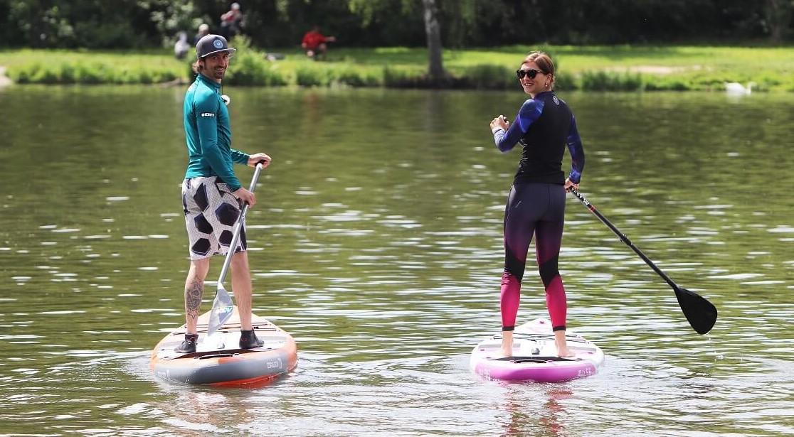 Vezměte na paddleboard i babičku