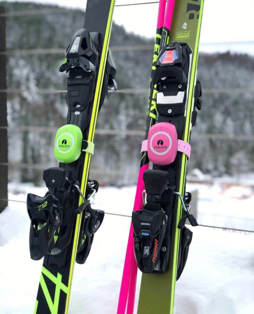 Pealock zámek na lyžích