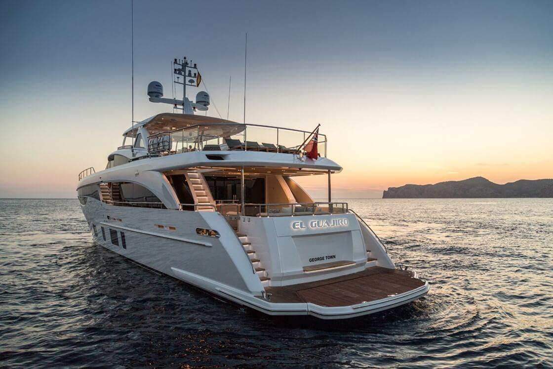 Jachta Princess 35M exterier 1