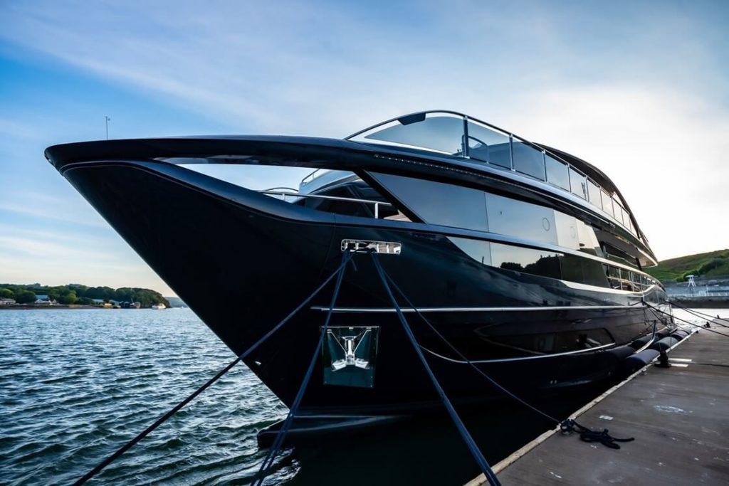 Jachta Princess X95 exterier 4