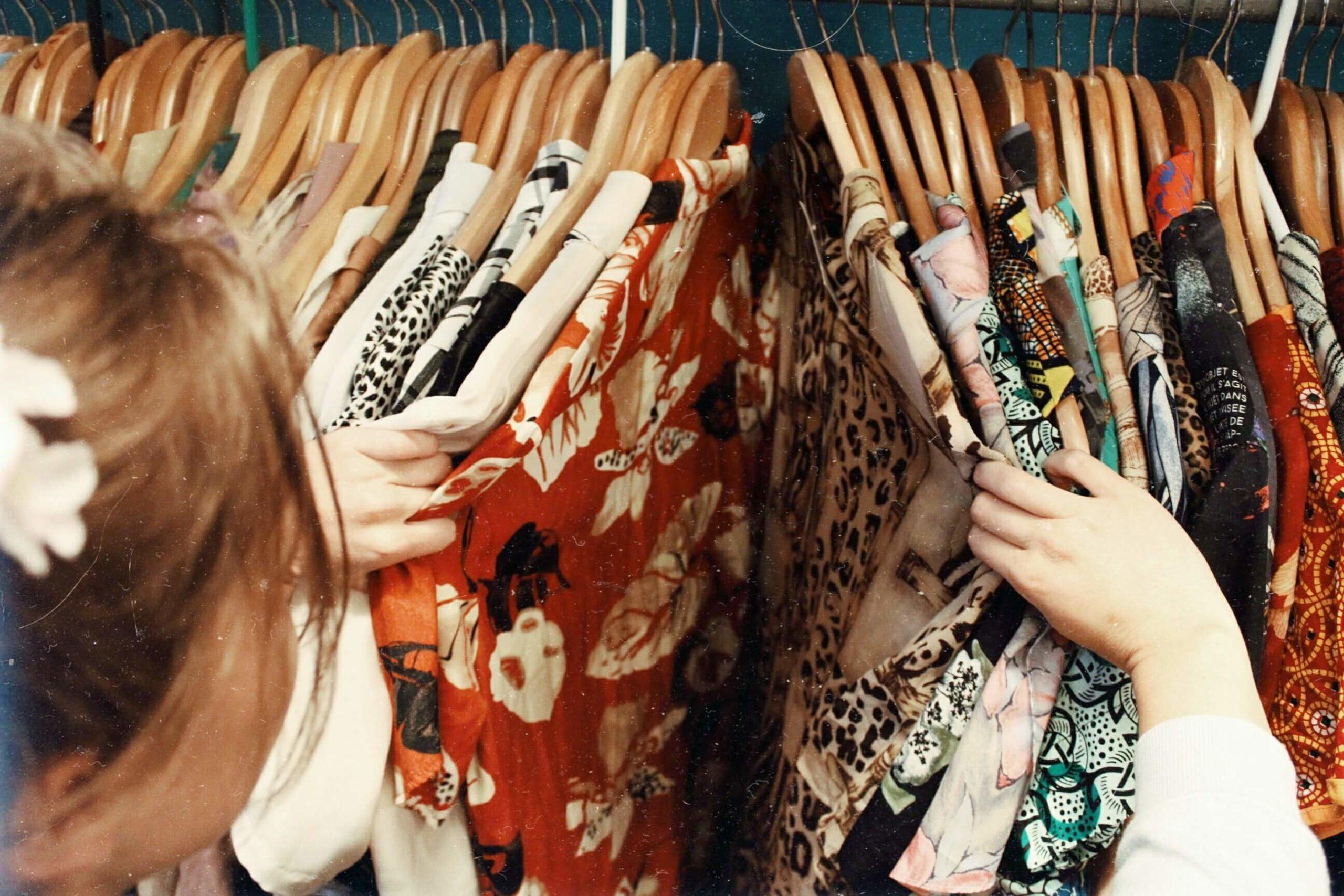 jak vytřídit šatník