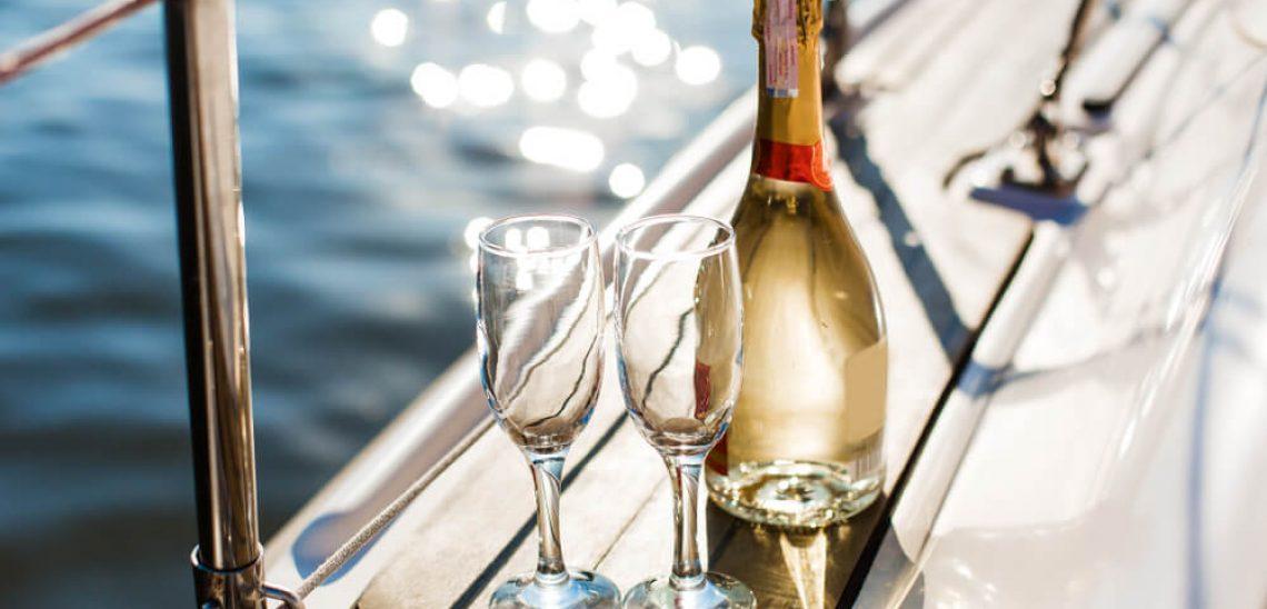 Šampaňské na lodi